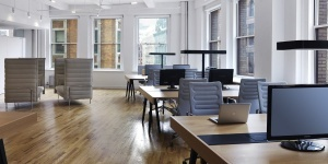 district-cowork-dedicated-desk