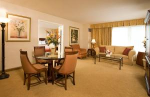 rendezvous-tower-suite-ac-hotel