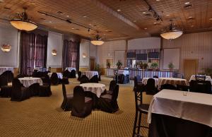 resorts-ac-green-room-meeting-space